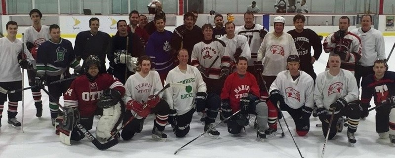alumni_hockey_grou